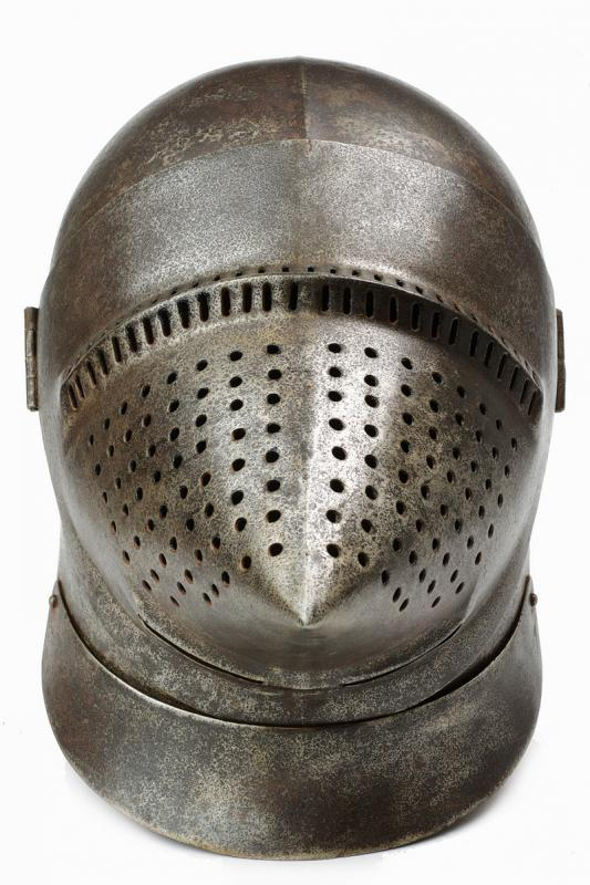 A bascinet in the style of late 14th century - Image 2 of 6