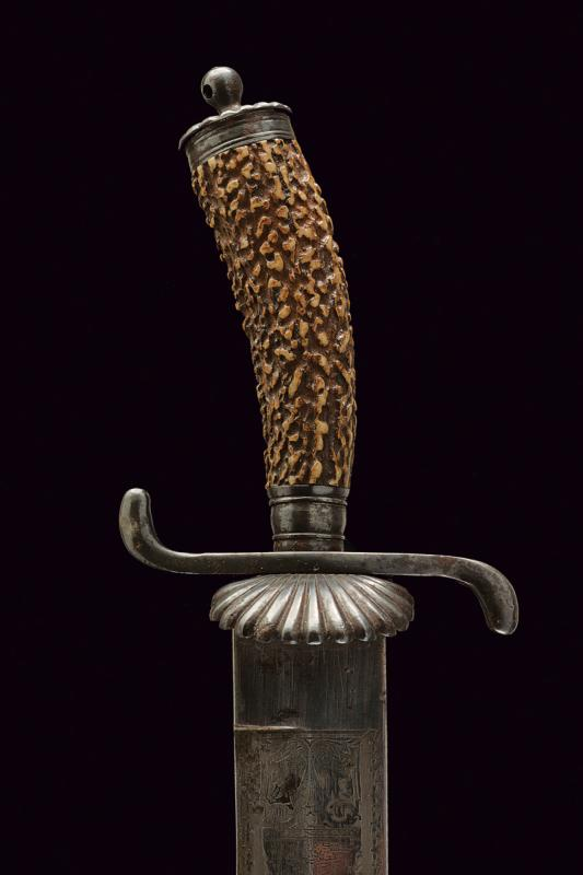 A hunting knife - Image 2 of 6
