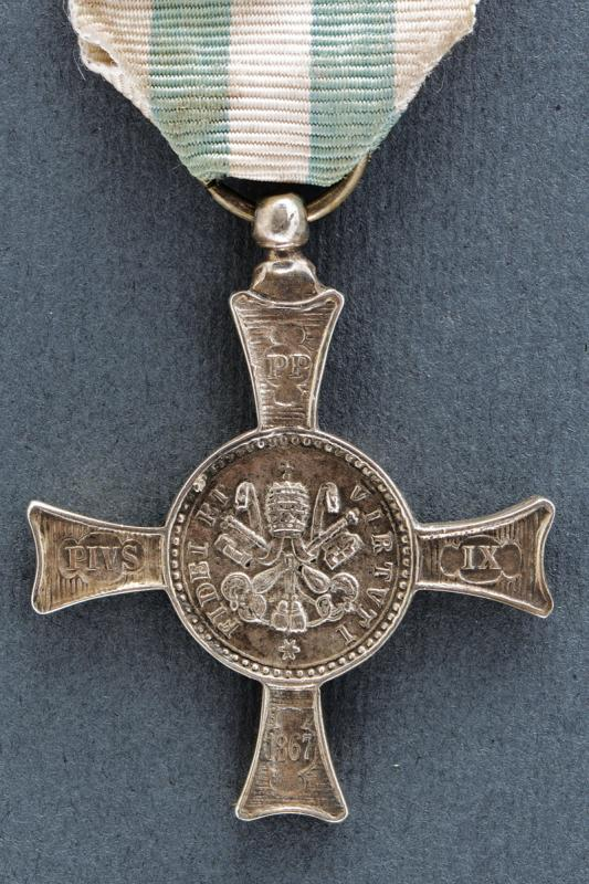 A Mentana Cross - Image 2 of 2