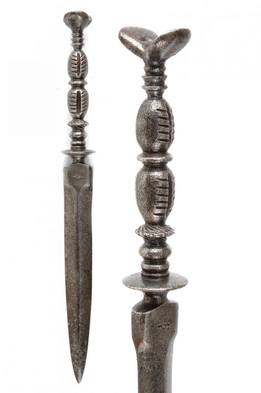 A dagger in the 17th century style