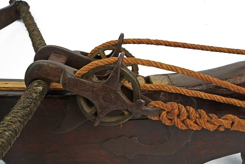 A big crossbow with jack - Image 2 of 10