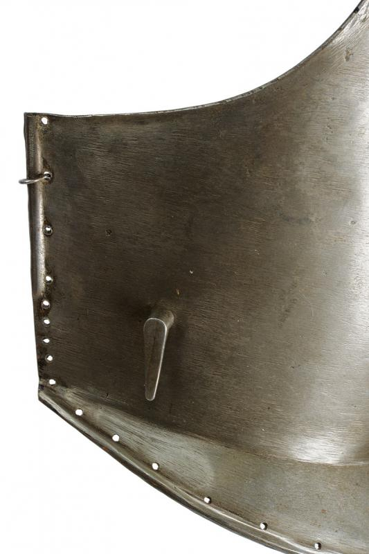 A breast plate - Image 2 of 3