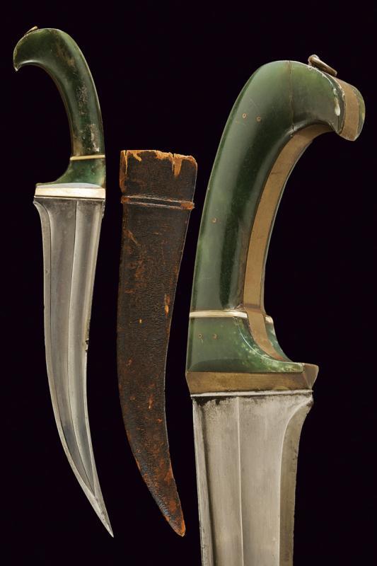 A pesh-kabz