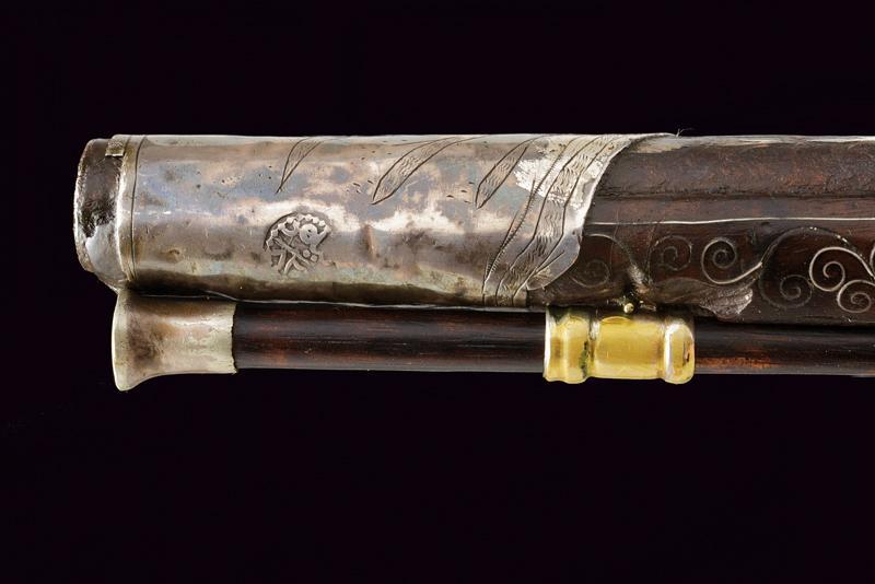A fine flintlock pistol with silver mounts - Image 5 of 9