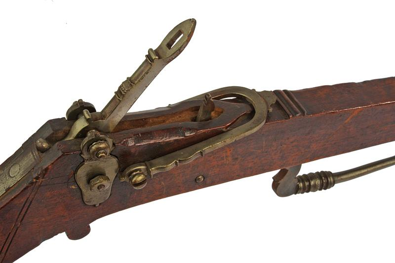 A crossbow - Image 2 of 5