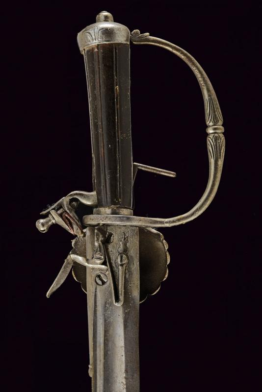 A hunting hanger with flintlock pistol - Image 4 of 5