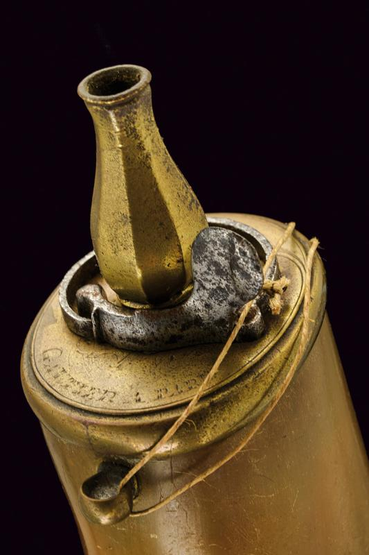 A powder flask with the coat-of-arms of Joseph-Alfred Cardinal Foulon Archbishop of Lyon - Image 2 of 2