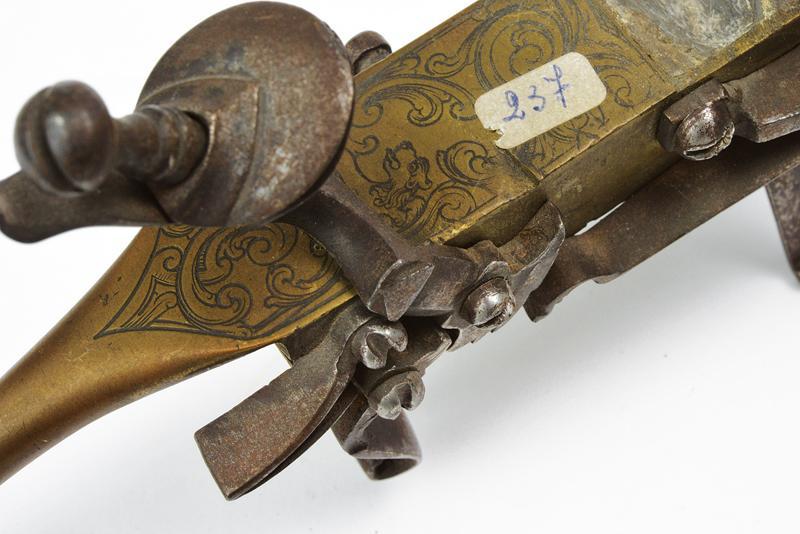 A flintlock tinder lighter - Image 2 of 2