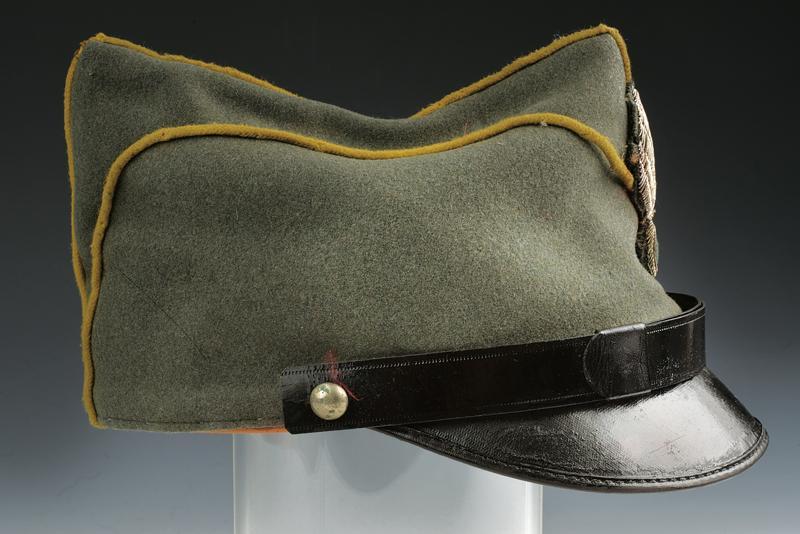 A 1908 model Genoa Cavarly officer's garrison cap - Image 2 of 4