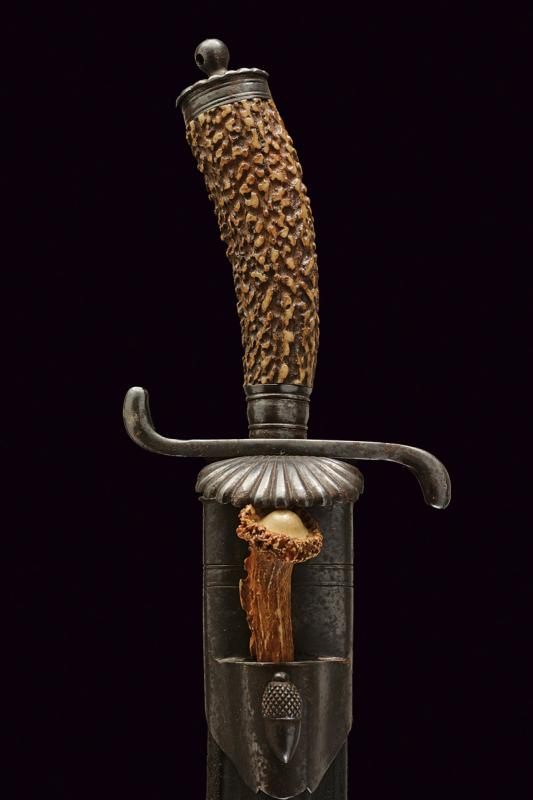 A hunting knife - Image 6 of 6