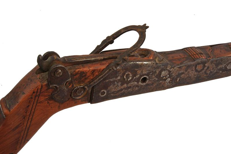 A crossbow - Image 2 of 6