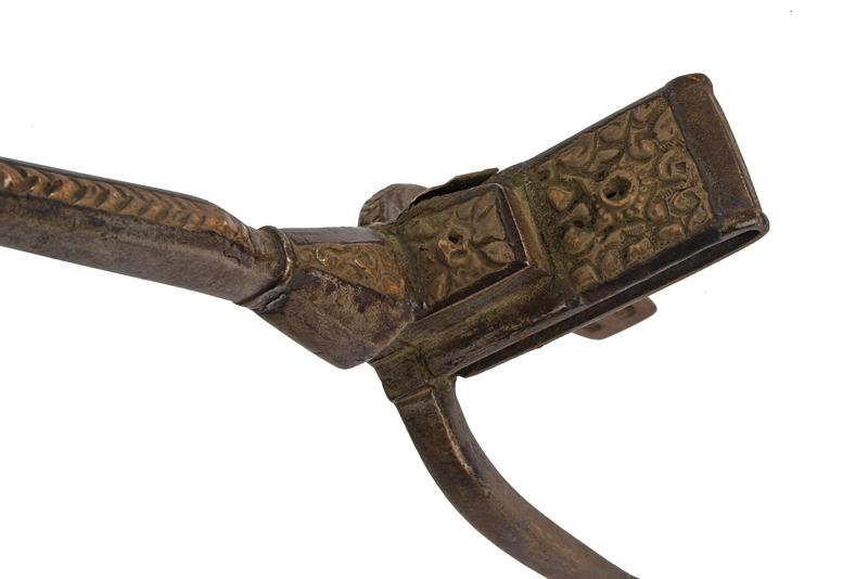 A pair of brass decorated spurs - Image 2 of 4