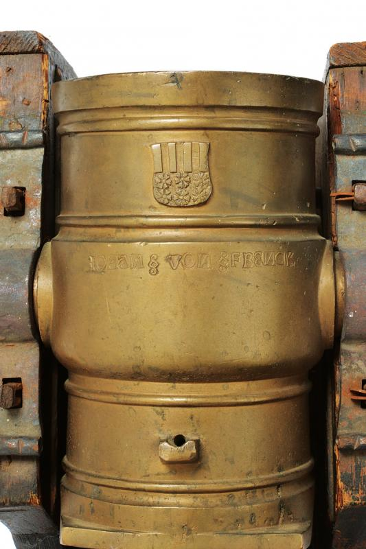 An important mortar with coat of arms - Image 3 of 8