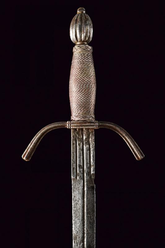 A left hand dagger - Image 2 of 6
