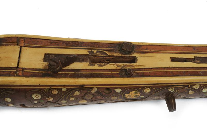 A crossbow - Image 6 of 8