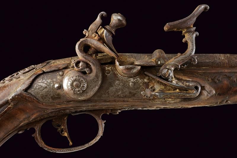 A pair of snaphaunce flintlock pistols - Image 7 of 10