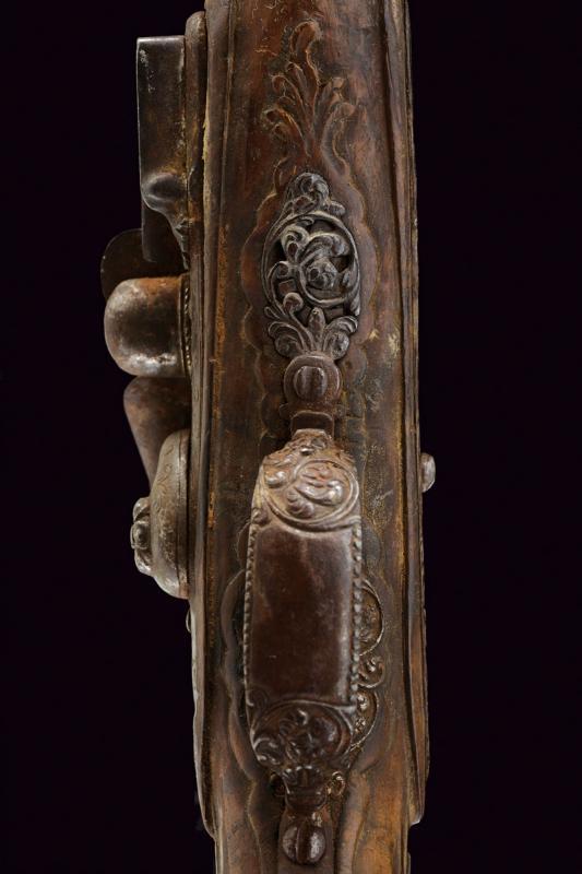 A pair of snaphaunce flintlock pistols - Image 6 of 10