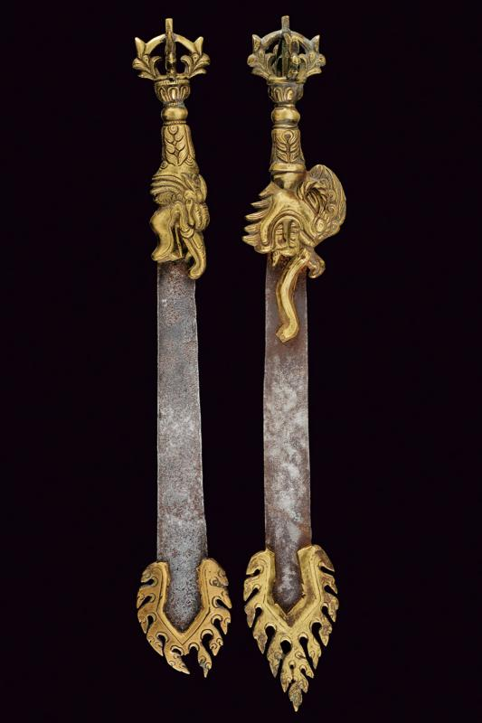 A lot of two small Vajra swords