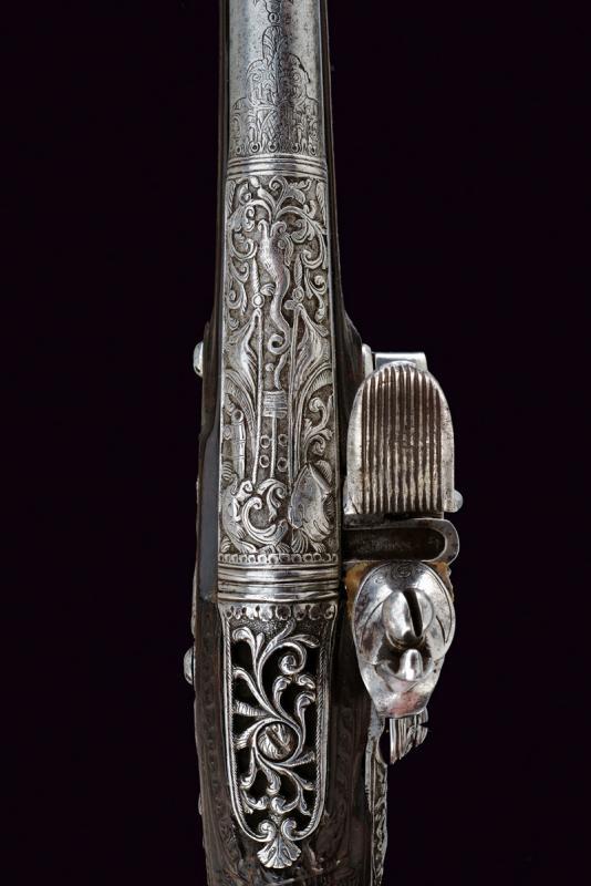 A beautiful flintlock pistol for the oriental market - Image 4 of 14