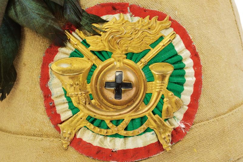 A colonial helmet for 'Bersaglieri' - Image 2 of 4