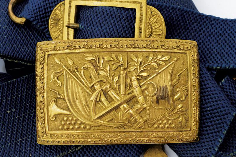 A navy cocked hat with belt and buckle - Image 9 of 10