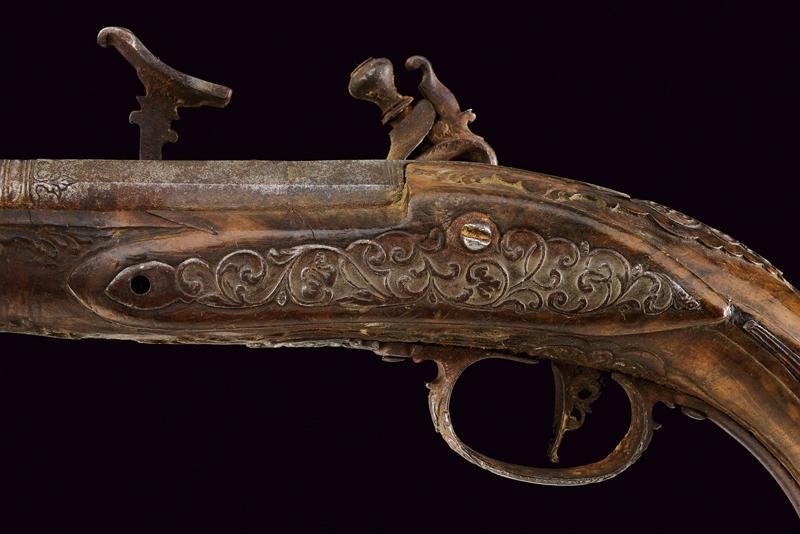 A pair of snaphaunce flintlock pistols - Image 4 of 10