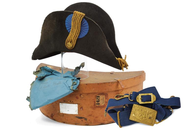 A navy cocked hat with belt and buckle - Image 10 of 10