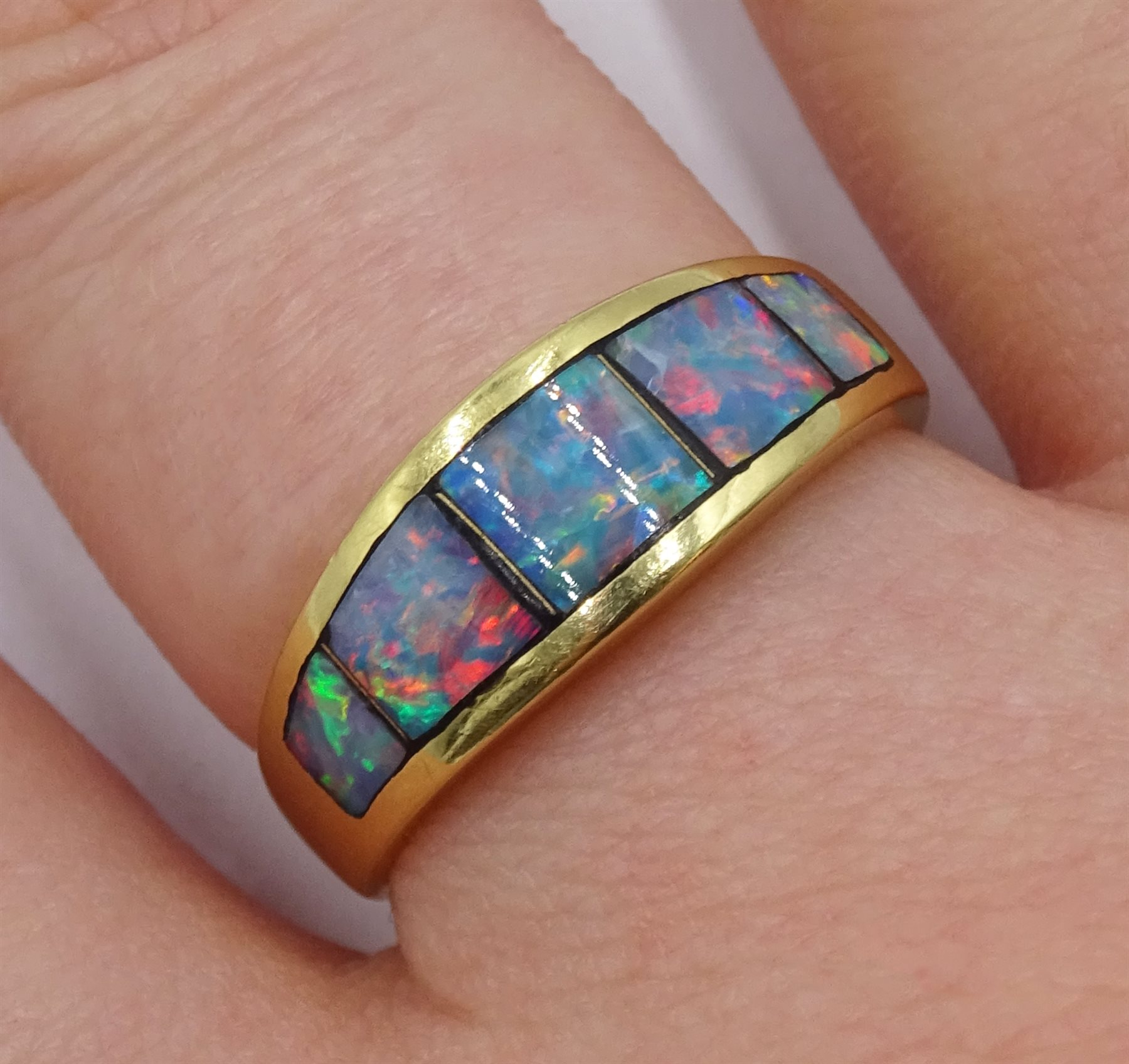 18ct gold opal ring rubbover set, stamped 750 - Image 4 of 4