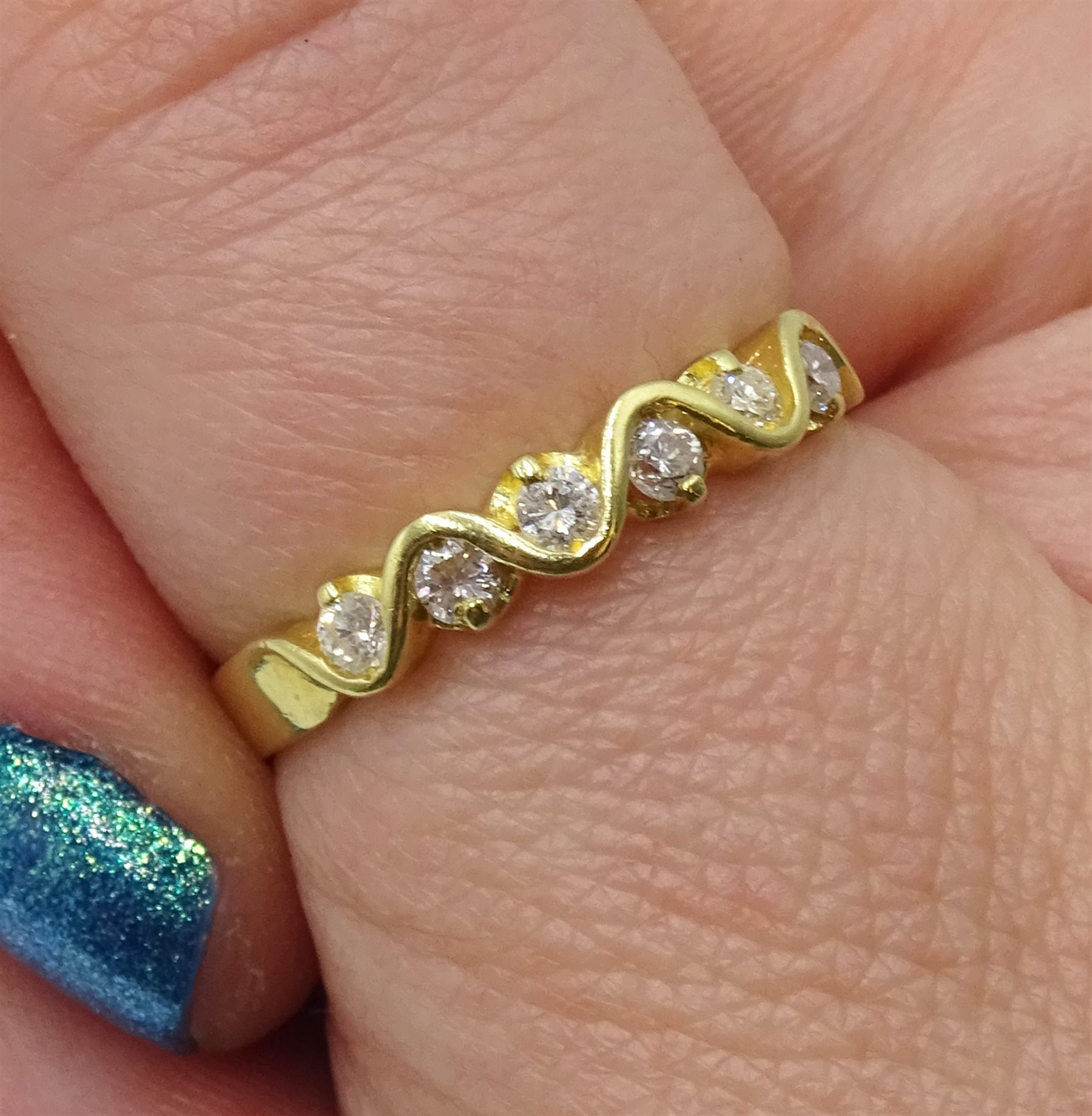 18ct gold seven stone diamond, weave design ring, London import marks 1994, total diamond weight 0.2 - Image 2 of 4
