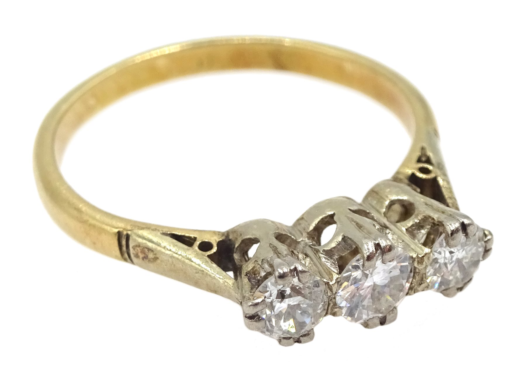 15ct gold three stone round brilliant cut diamond ring, total diamond weight approx 0.40 carat - Image 2 of 3