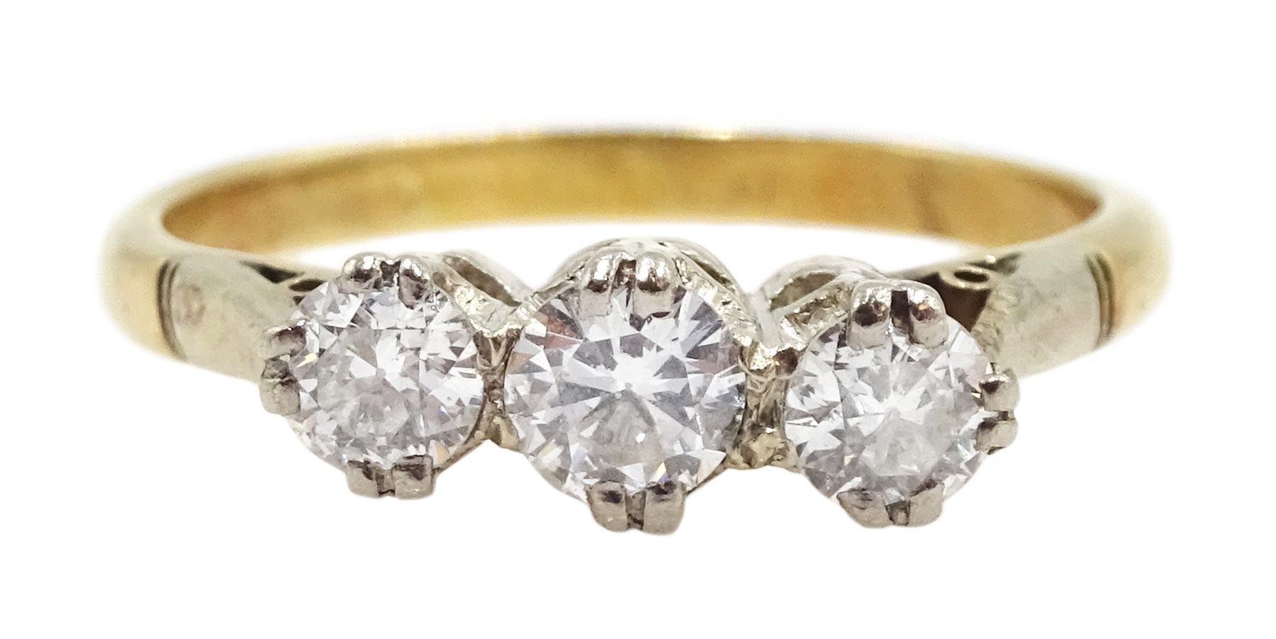 15ct gold three stone round brilliant cut diamond ring, total diamond weight approx 0.40 carat