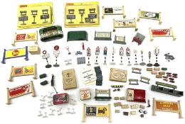 Hornby Dublo/Dinky etc - quantity of accessories including two blister packed 5037 Lineside Notices;