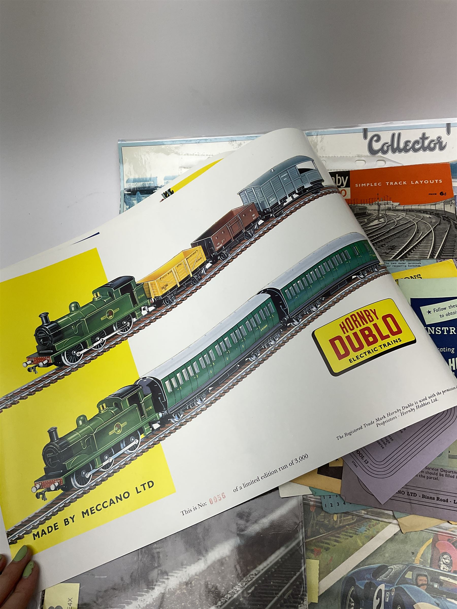 Hornby Dublo - quantity of paper ephemera including Electric Trains catalogues 1960 & 1961; Rail Lay - Image 3 of 9