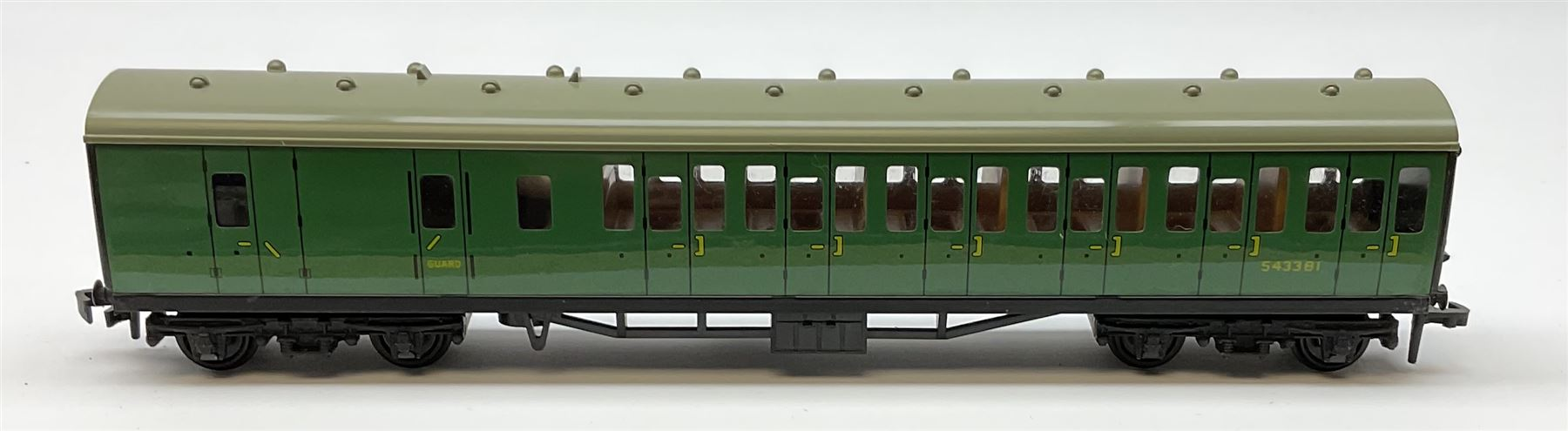 Hornby Dublo - 4075 Passenger Brake Van B.R.; 4078 Composite Sleeping Car B.R.; 4082 Suburban Coach - Image 2 of 5