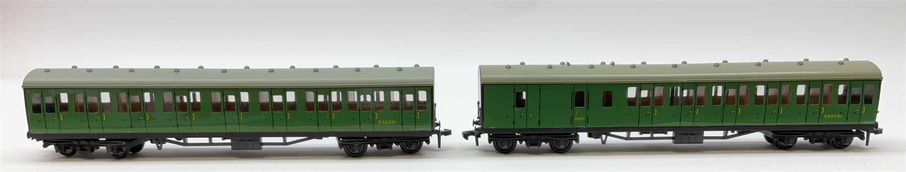 Hornby Dublo - four Suburban Coaches comprising 4081 2nd Class S.R.; 4082 Brake/2nd S.R.; 4083 1st/2 - Image 3 of 4