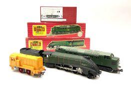 Hornby Dublo - two-rail 3211 Class A4 4-6-2 locomotive 'Mallard' No.60022 in 'Golden Fleece' box; 22