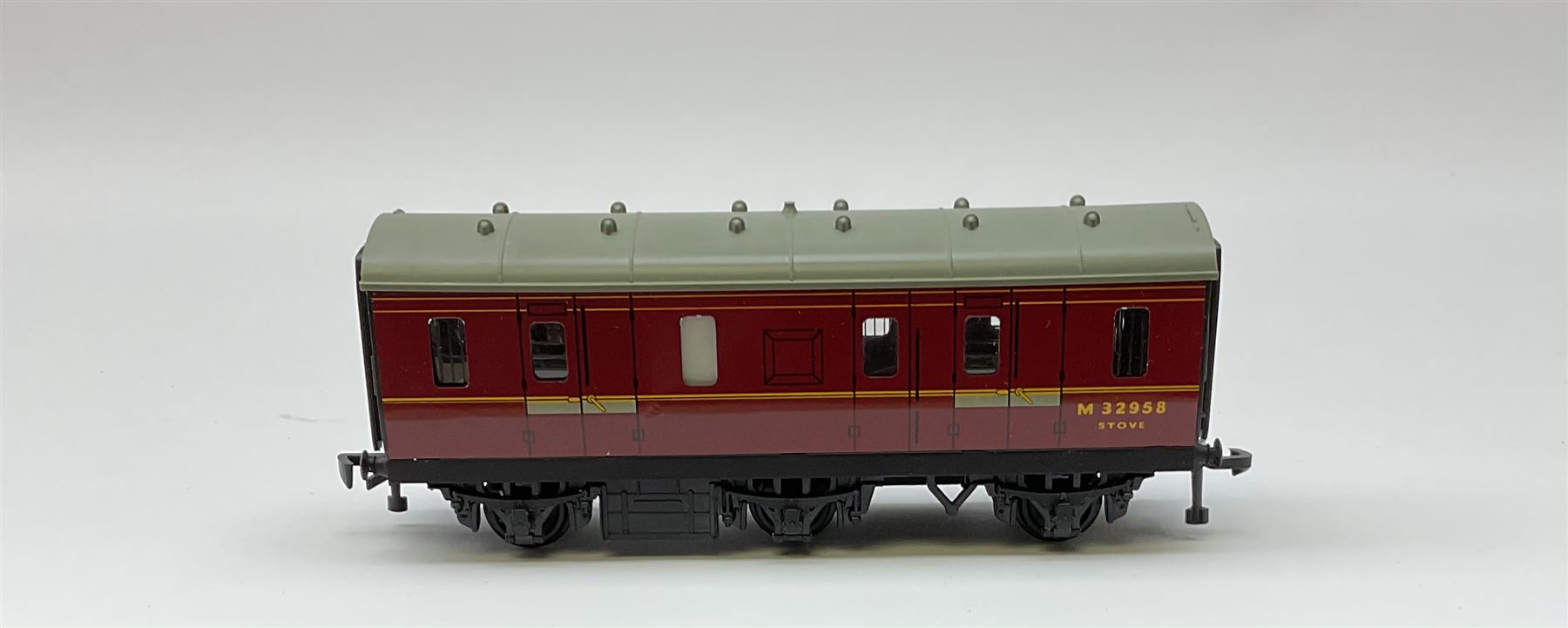 Hornby Dublo - 4076 Six- Wheeled Passenger Brake Van; and 4150 Electric Driving Trailer Coach S.R.; - Image 3 of 4
