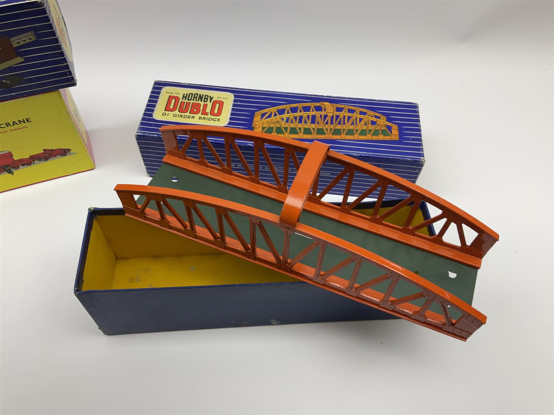 Hornby Dublo - Breakdown Crane No.4062 boxed with screw jacks; D1 Girder Bridge - Image 3 of 4