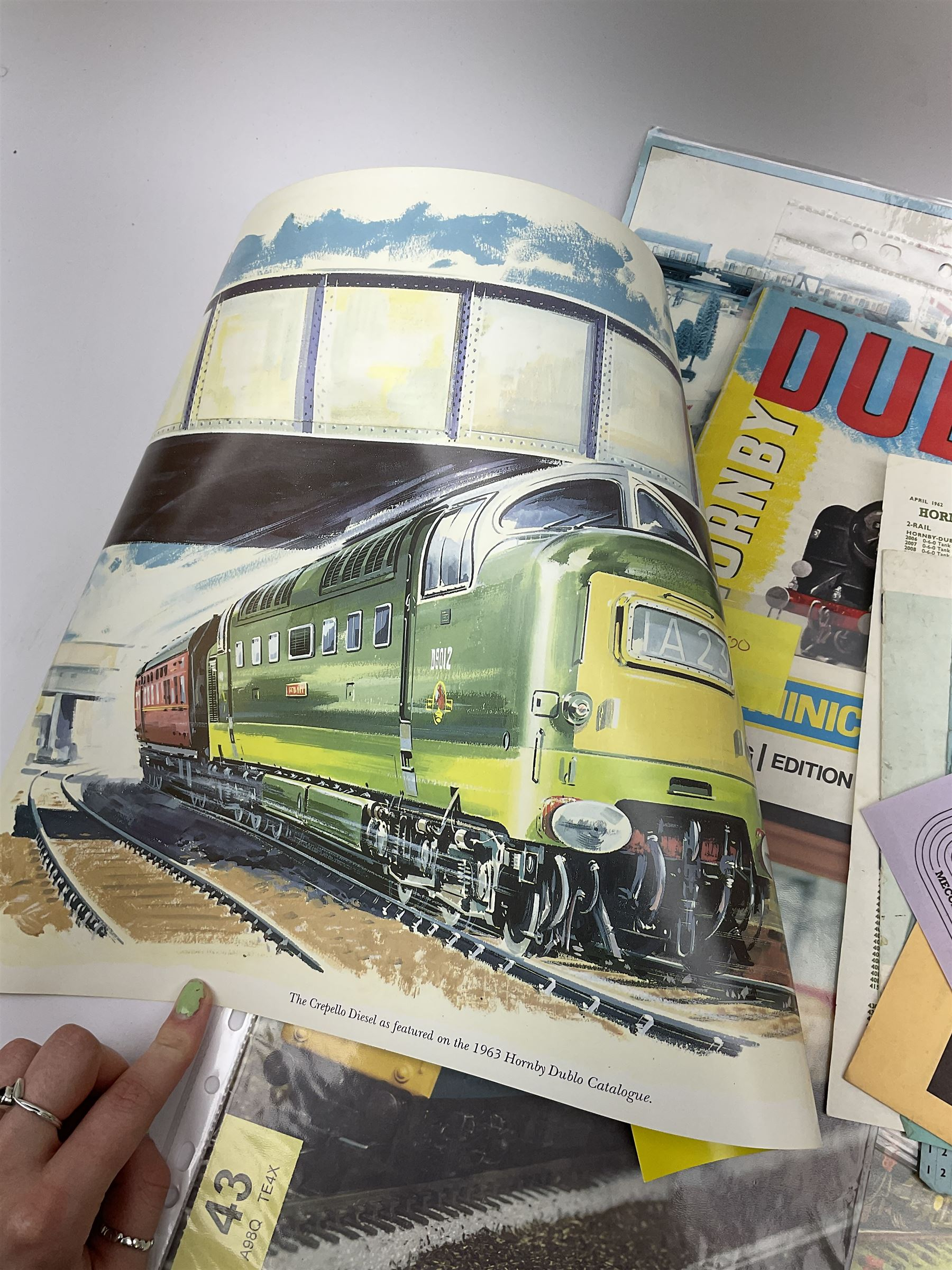 Hornby Dublo - quantity of paper ephemera including Electric Trains catalogues 1960 & 1961; Rail Lay - Image 4 of 9