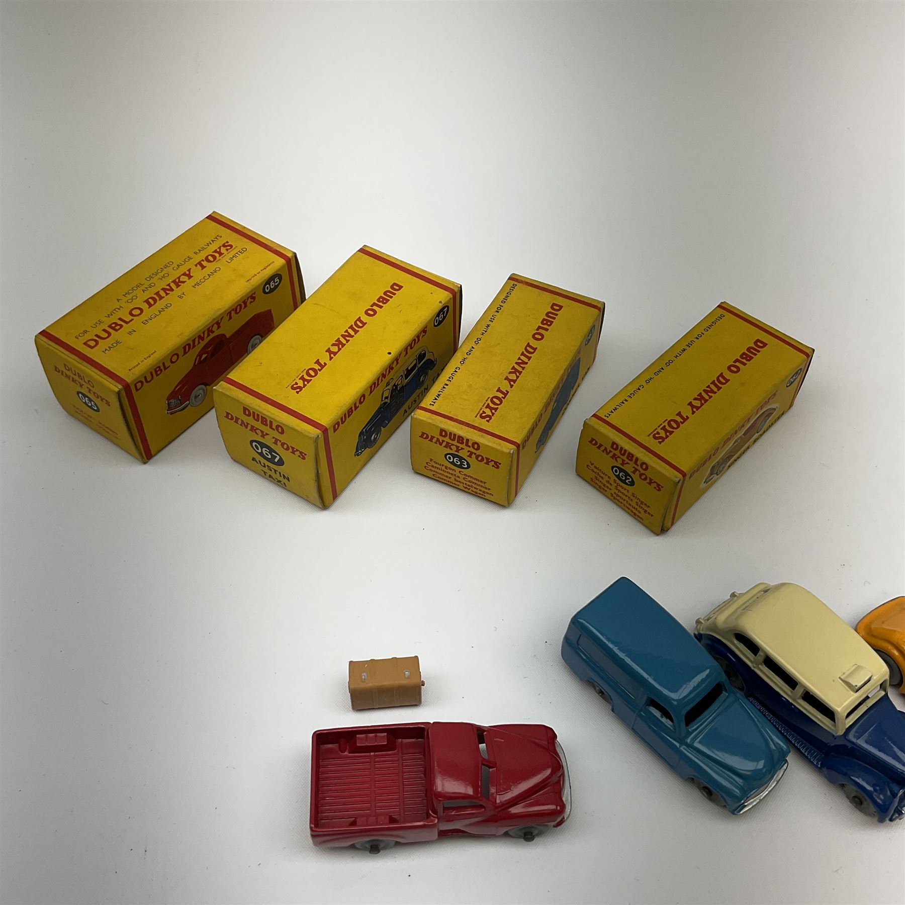 Dublo Dinky - four boxed models comprising 062 Singer Roadster - Image 3 of 4