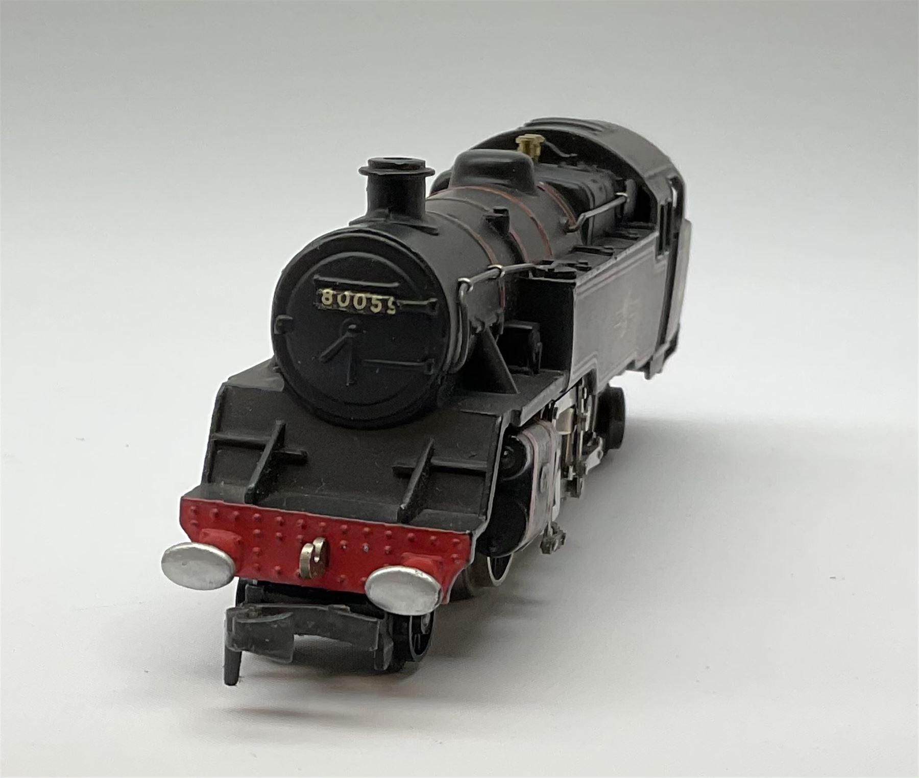 Hornby Dublo - three-rail 4MT Standard 2-6-4 Tank locomotive No.80059 with totems facing forward - Image 4 of 6