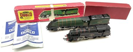 Hornby Dublo - two-rail 2218 4MT Standard 2-6-4 Tank locomotive No.80033 (with 3-rail chassis)