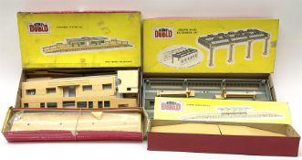 Hornby Dublo - 5006 Engine Shed Extension Kit; 5085 Suburban Station Kit; and 5030 Island Platform K