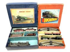 Hornby '0' gauge - Passenger Set No.21 with clockwork No.20 type 0-4-0 tender locomotive No.60985