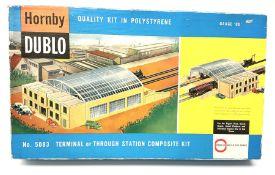 Hornby Dublo - set No.5083 Terminal or Through Station Composite Kit