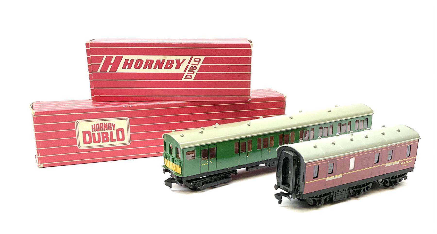 Hornby Dublo - 4076 Six- Wheeled Passenger Brake Van; and 4150 Electric Driving Trailer Coach S.R.;