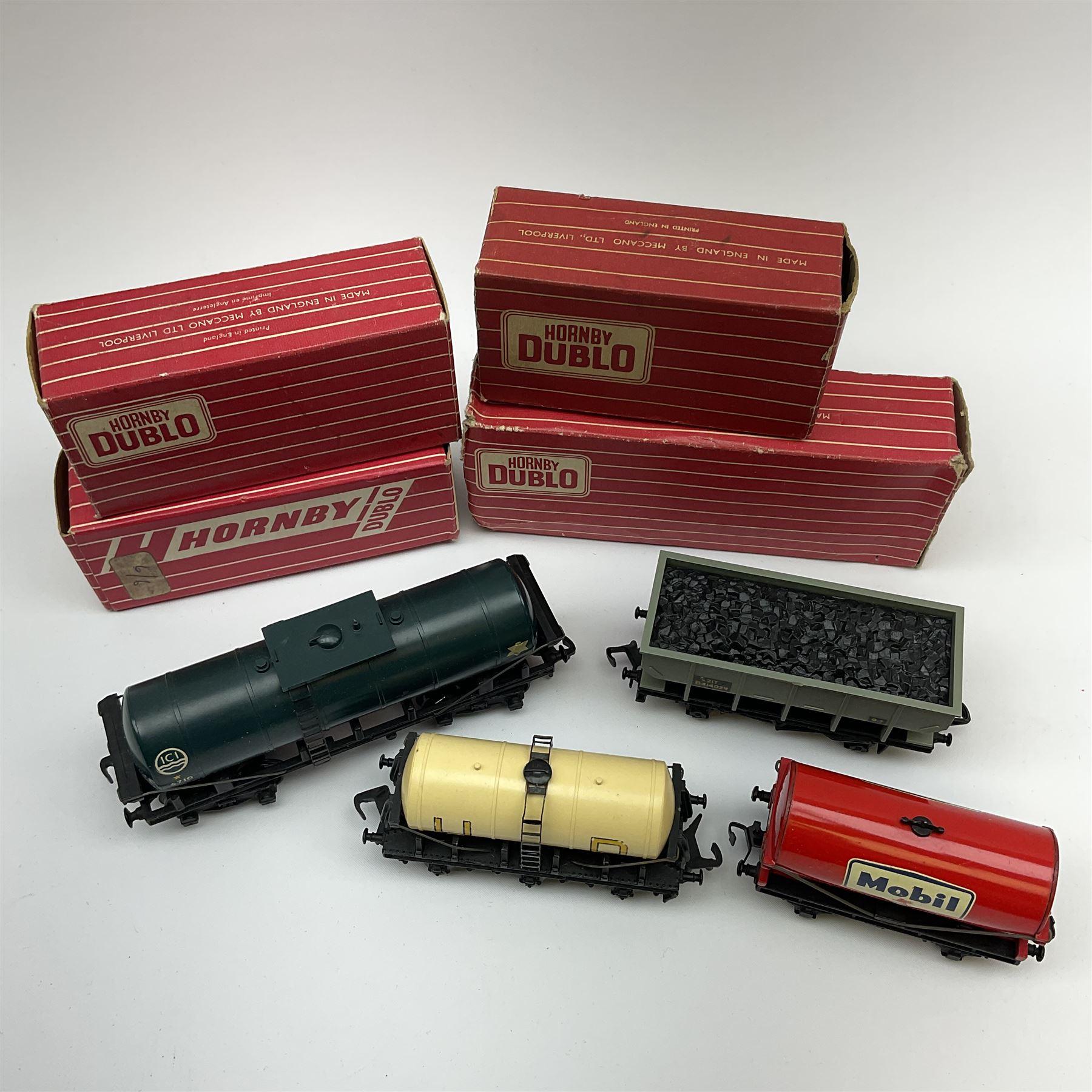 Hornby Dublo - 4685 Caustic Liquor Bogey wagon; 4644 21-Ton Hopper Wagon; 4657 'United Dairies' Milk - Image 2 of 2