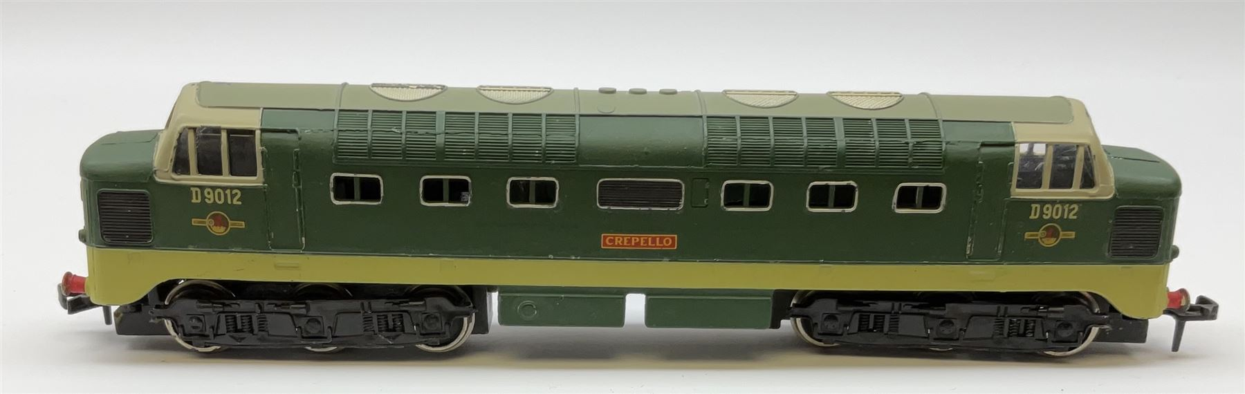 Hornby Dublo - two-rail 2224 Class 8F 2-8-0 locomotive No.48073 with instructions; and 2234 Deltic T - Image 4 of 7