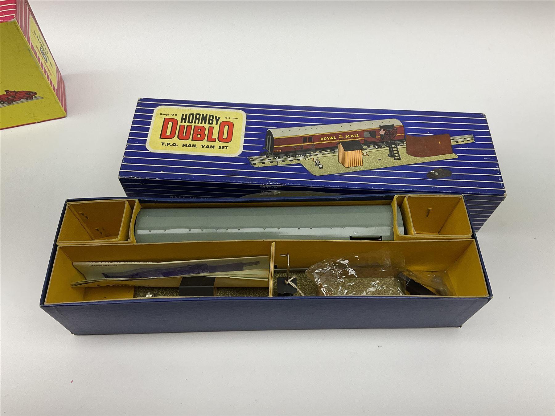 Hornby Dublo - Breakdown Crane No.4062 boxed with screw jacks; D1 Girder Bridge - Image 2 of 4
