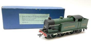 Hornby Dublo - three-rail Class N2 0-6-2 Tank locomotive